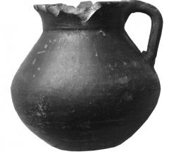 Серолощеный глиняный кувшин. Курган 2, погр. 1.