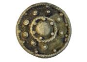 Находки из могильника. Накладка с зернью, подъемный материал. Серебро. II в.