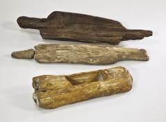 Находки с поселения: деревянные предметы из заполнения колодцев.